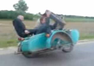 Замена колеса в мотоцикле на ходу