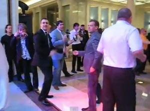 Видео где танцует Медведев