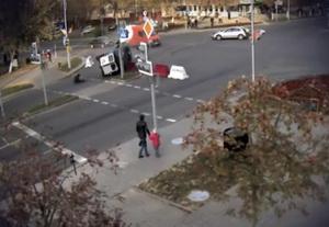 Милиционер выпал из машины