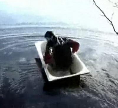Плаванье в стальной ванне