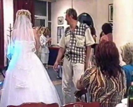 Как надо ловить букет невесты