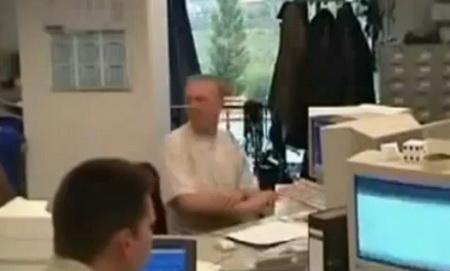 Жесткий прикол в офисе