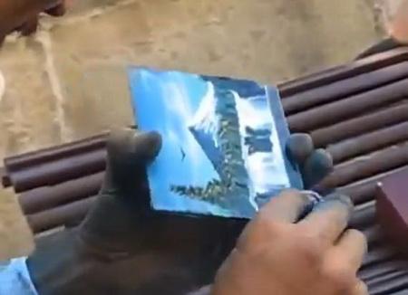Рисование ногтями на стекле