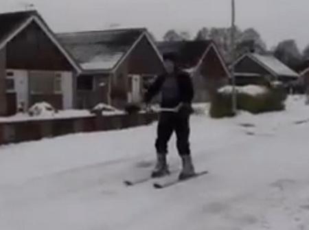 Лыжи с реактивным мотором